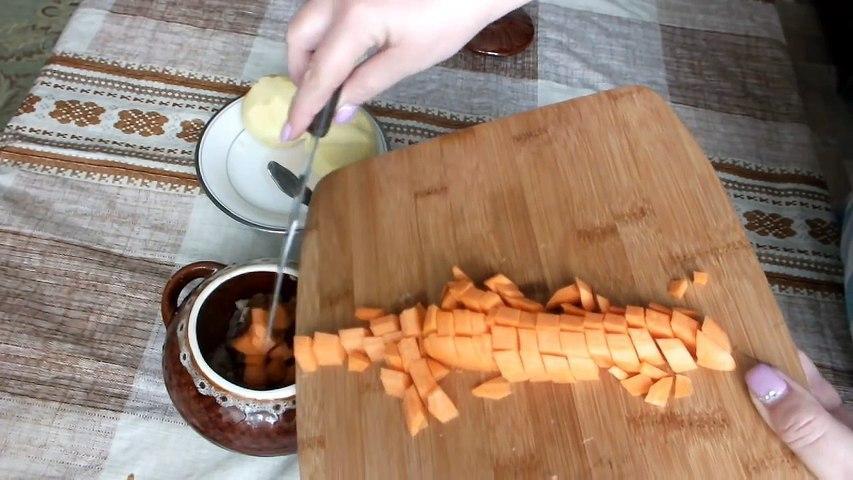 Жаркое из свинины в горшочках мясо с овощами запечённое в духовке